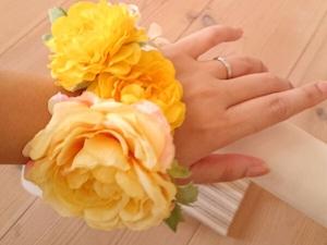 黄色いのお花のリストブーケ(リストレット)2 / 腕飾り