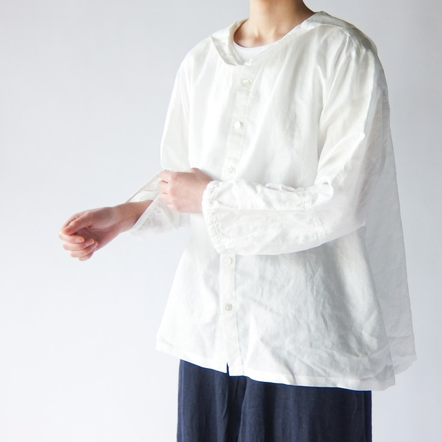 Vlas Blomme - Light Cotton Ramie セーラーカラーブラウス - Off White