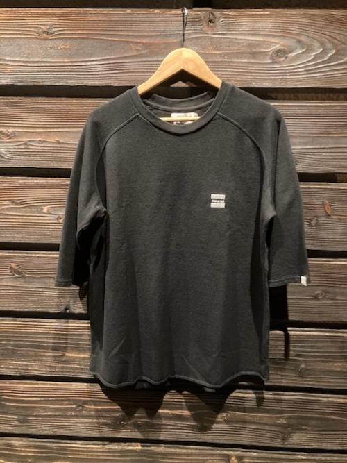 Turn Me On  ラグラン5分袖刺繍カットソー  BLACK  Mサイズ 121-433