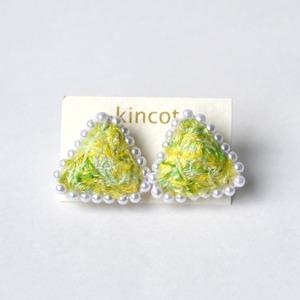 kincot 色糸さんかくピアス(パール×イエロー)
