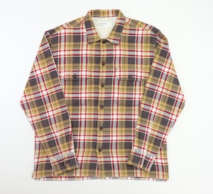 【Universal Works.】L/S UTILITY SHIRT In SAND/RED