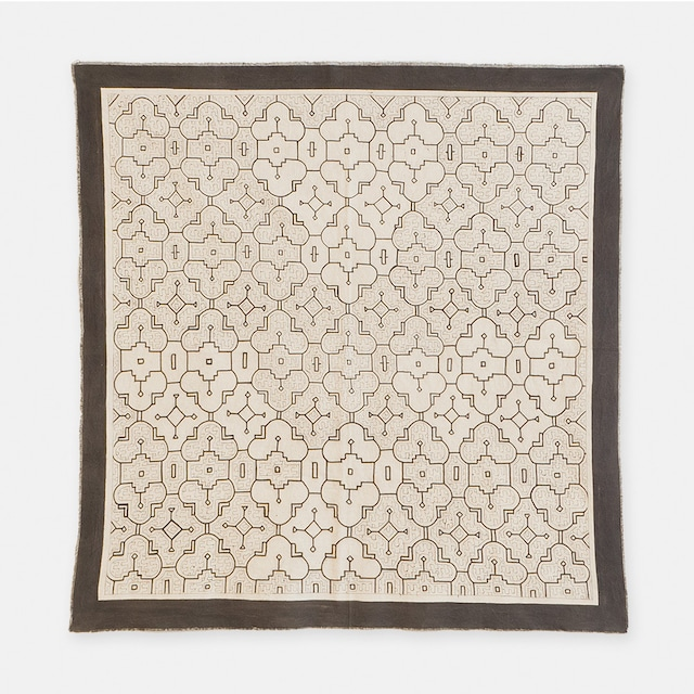 SHIPIBO TEXTILES シピボ族の泥染めの布 白途中描き 1020×970mm  S007