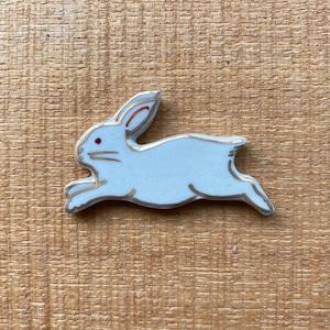 跳ねウサギ(帯留・ブローチ)
