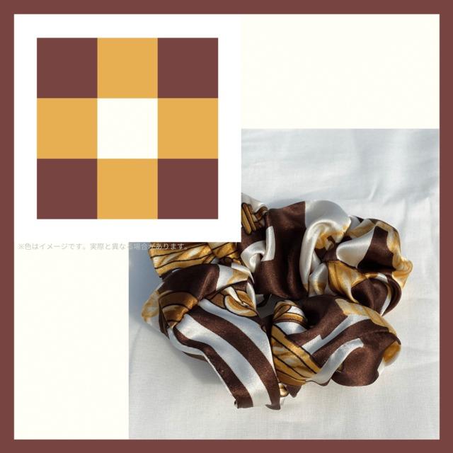 【クラシック&ゴージャスなイメージ】スカーフ柄シュシュ。心に落ち着きと懐かしさを♪【sp024】