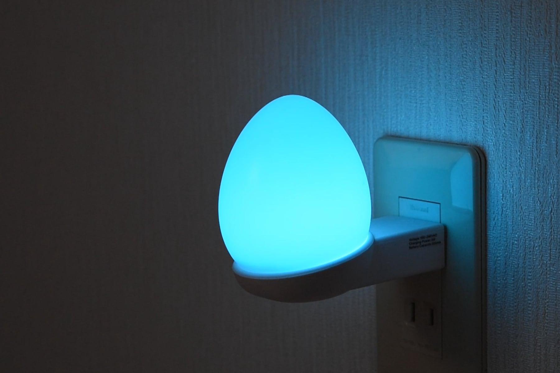 Eggie 2.1 たまご型LED照明(レインボー色タイプ)