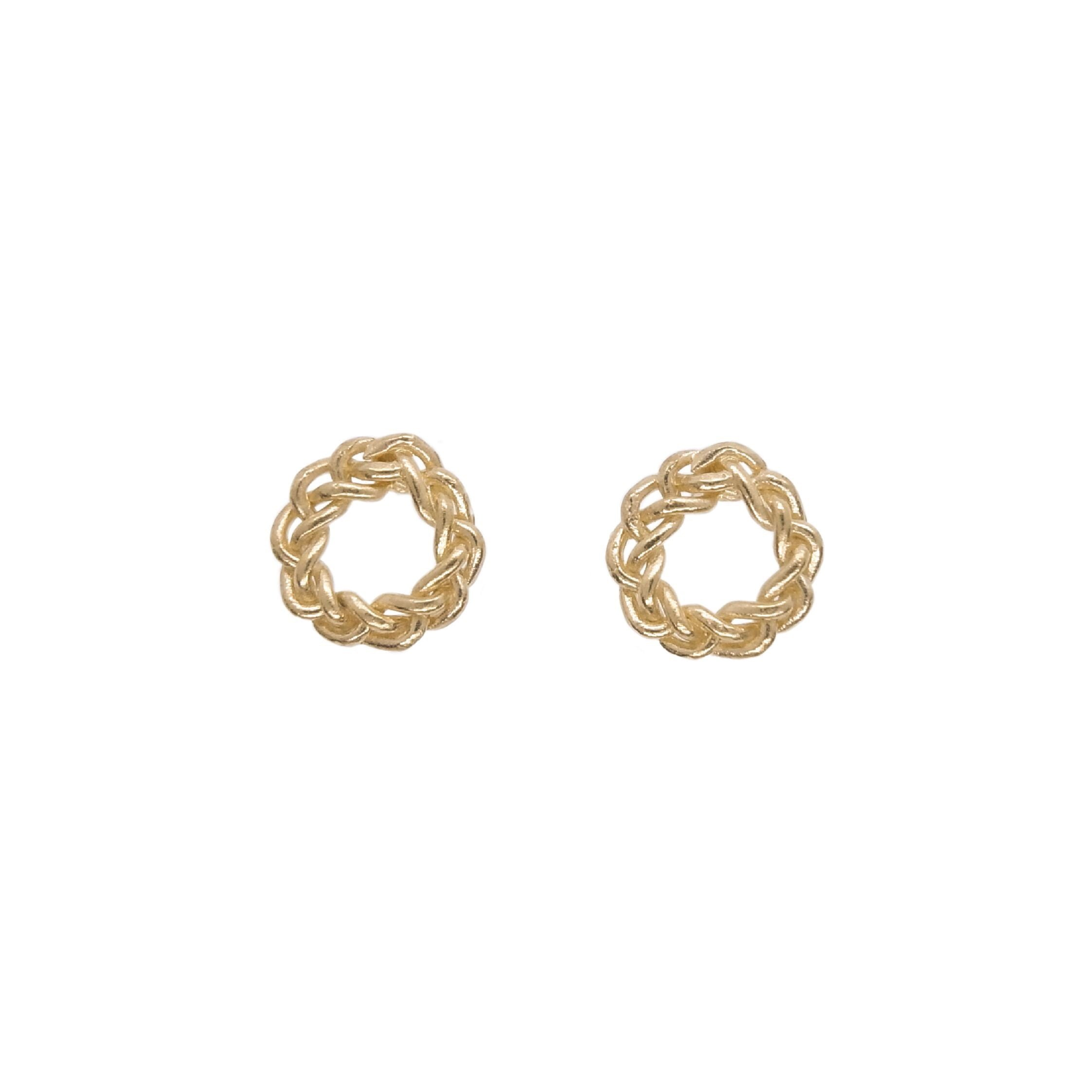 Knitted circle pierced earrings gold color