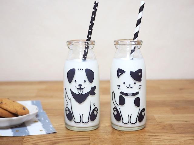 『cg-0304s』『冷感ミルクボトル 牛乳 スマイルグラス』『わんちゃん & ねこちゃん』*子供 笑顔 牛乳 着せ替え ボトル 犬 猫