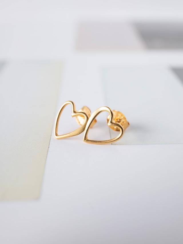♡ Heart Stud Earrings / 24KGP - 015