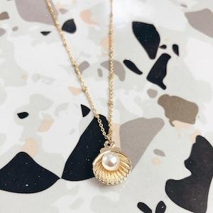 Wanderlust Factory Conchiglia con perle necklace