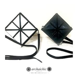 T・U・N・A・G・M・U Art Cube Solide - Réticule 留紺  Triangle