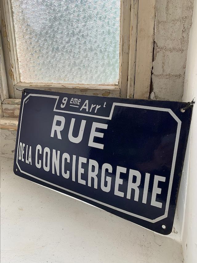 ホーローサインプレート 看板 紺色 ネイビー Rue de la Conciergerie