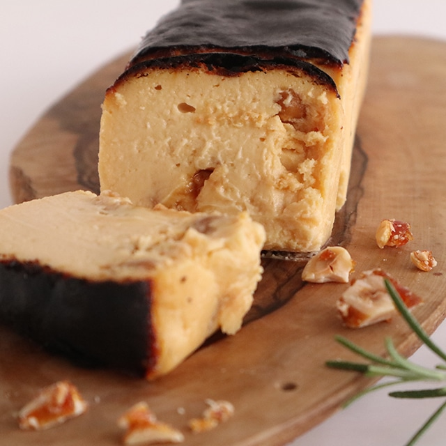 【10月限定・紙箱入り】キャラメルマカダミアナッツのバスクチーズケーキ