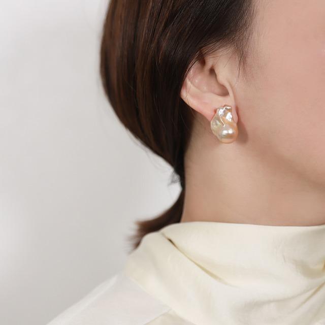 〈Sクラス〉Baroque pearl stud pierce|ピアス  - Pink Gold