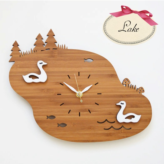 Decoylab  Lake Swans 掛け時計 白鳥の湖