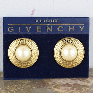 .GIVENCHY LOGO PEARL EAR CLIPS/ジバンシィロゴパールイヤリング 2000000041575