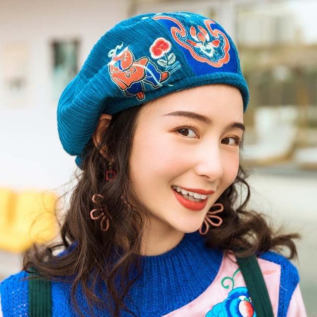 チャイナ風帽子 ベレー帽 2カラー選択 刺繍 コールテン ブラック ブルー 可愛い 合わせやすい レトロ
