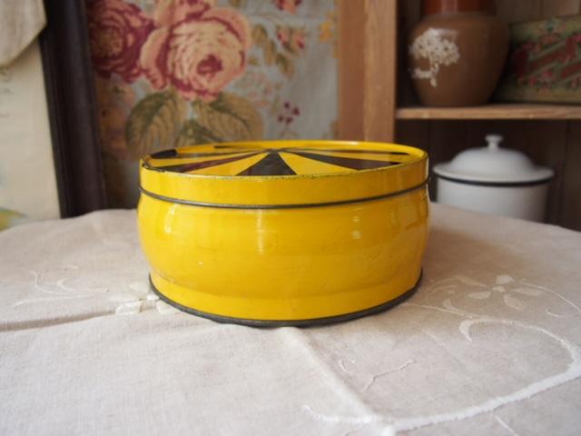 イギリスアンティーク ケーキ缶