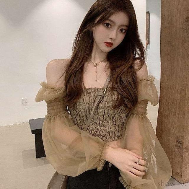 【トップス】韓国風ファッション スウィート パフスリーブ 無地 プルオーバー 切り替え ショート丈 ブラウス52373709
