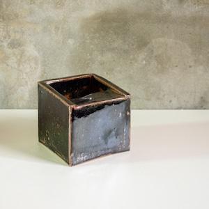 出西窯 黒釉  灰皿