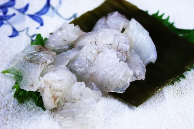 白身魚の王道 富山新湊産ひらめ昆布締め 約160g