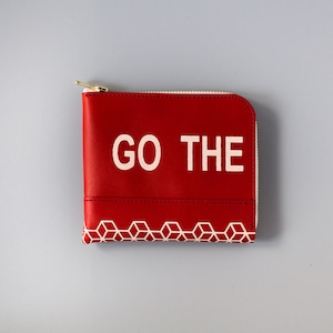 """""""GO THE PATHLESS WAY  / Less is bore"""" printed L zip small wallet"""