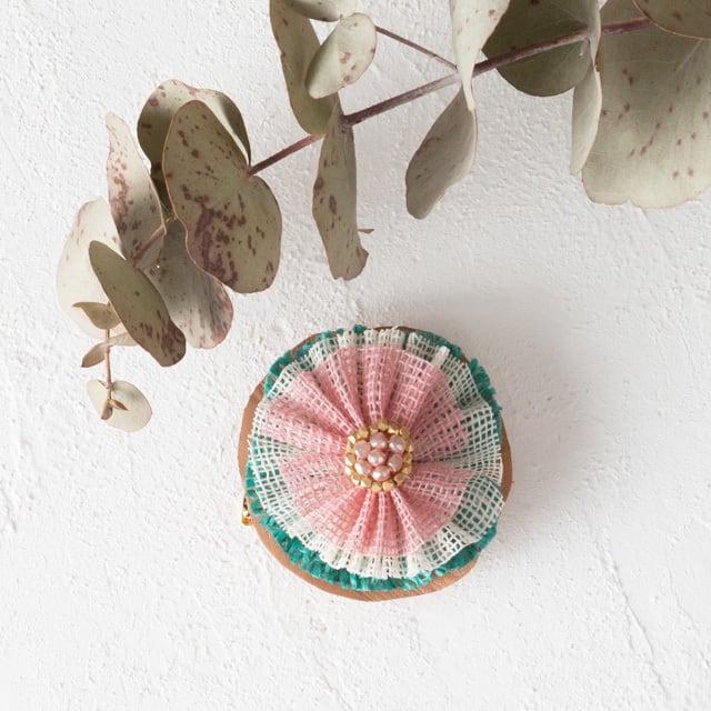 麻のブローチ 〈Tutu〉Turquoise