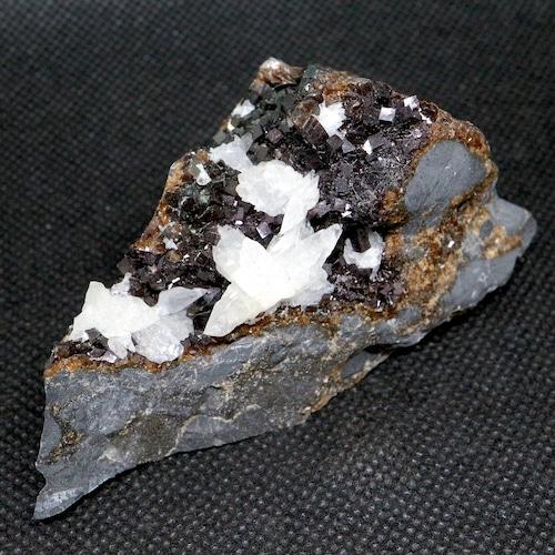 希少!アイオワ州産 イリデッセント カルサイト   原石 130,4g IRI013 鉱物 天然石 パワーストーン