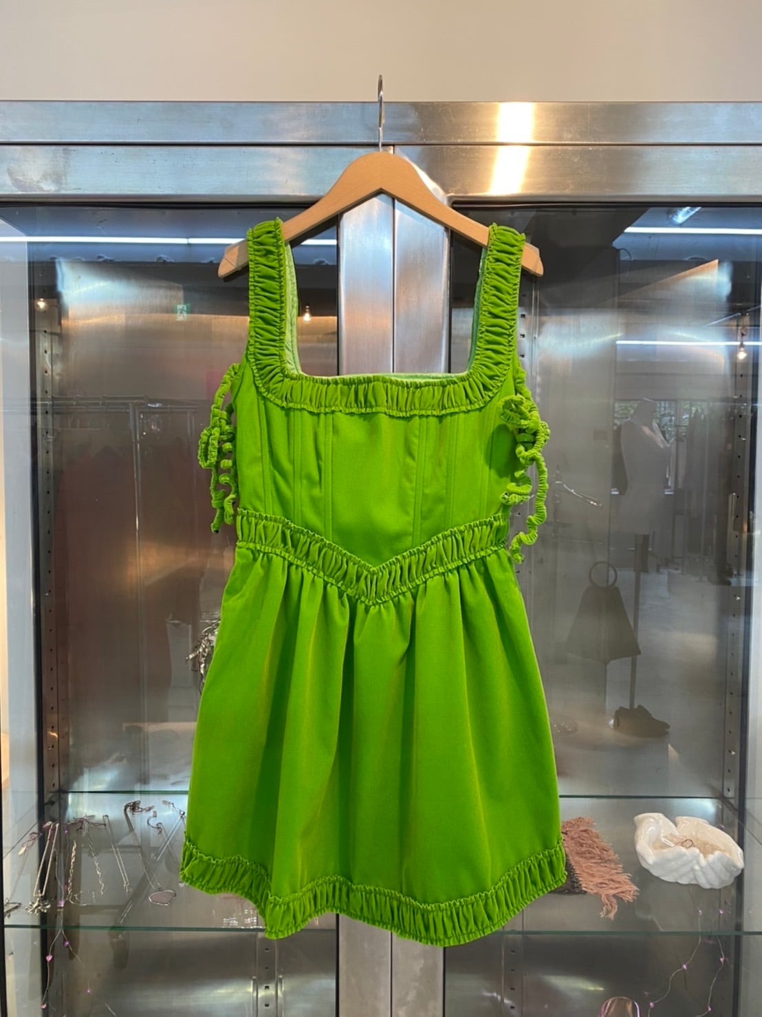 New dress(NO DRESS)