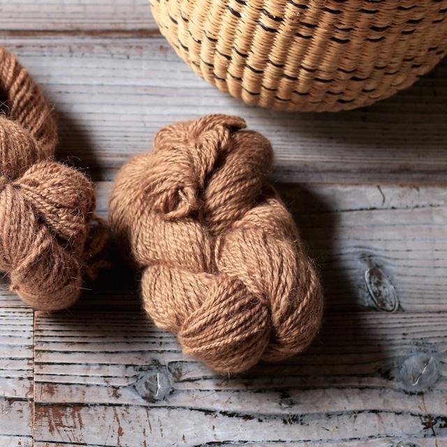 ラクダの手紡ぎ毛糸