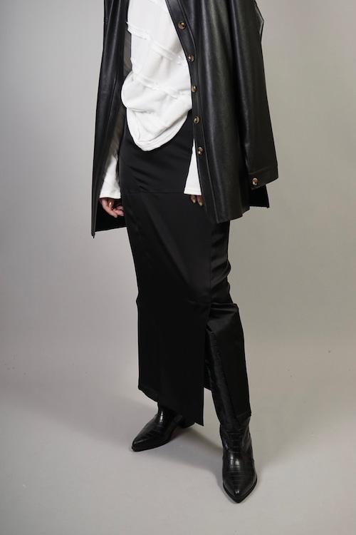 SIDE SLIT SATIN MAXI SKIRT (BLACK) 2106-264-HK56