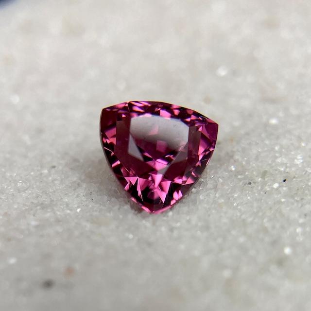 ロードライトガーネット 1.355ct ピンク紫色 簡易ソーティング付き No.105