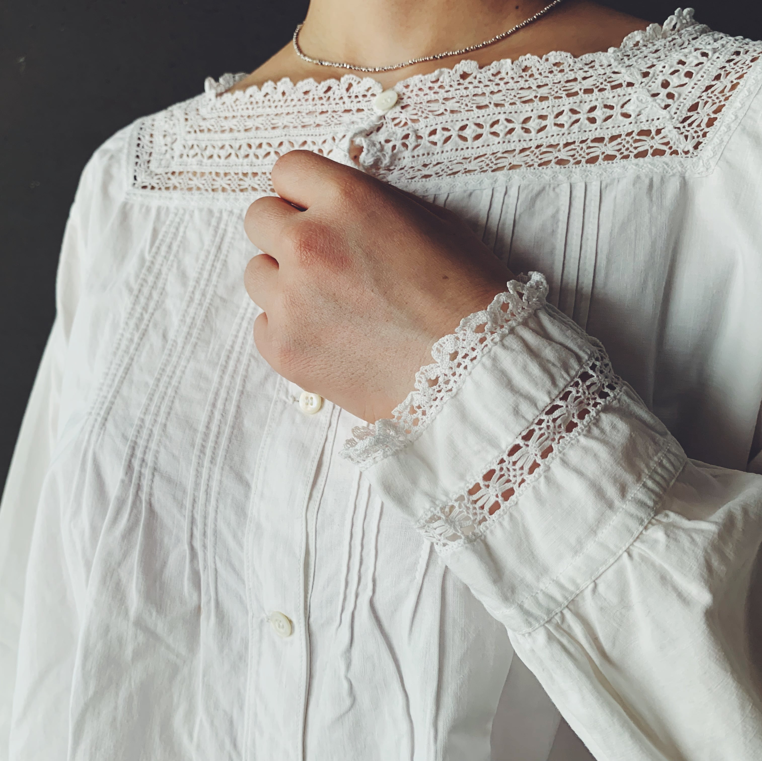 French blouse (01-21-32-3)