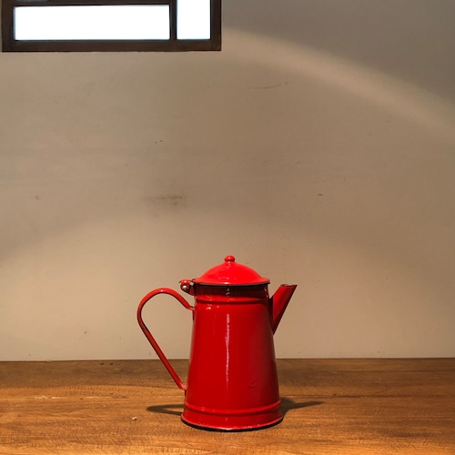 ベルギーからの赤いポット