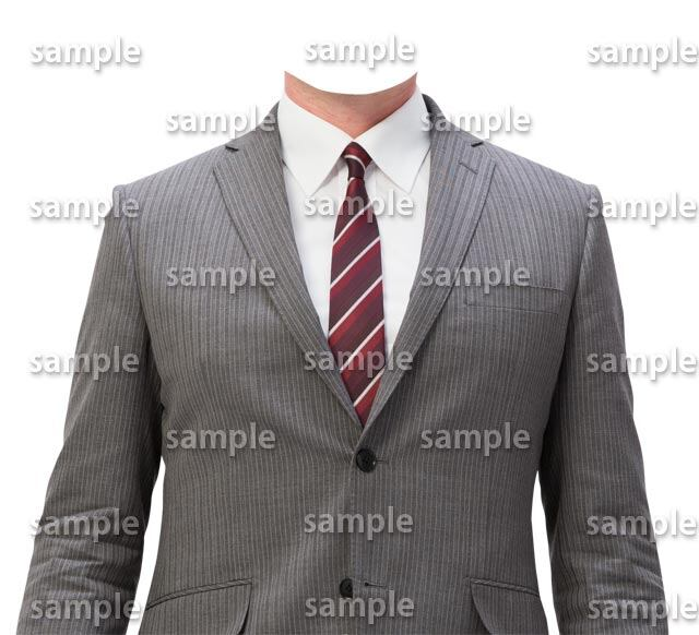 男性グレースーツ赤ネクタイ正面