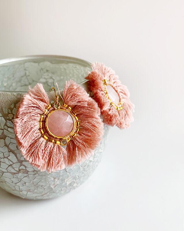 Pink fringe pierced earrings  /  on the beach     OBH-022