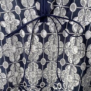 ネイビーフラワー総刺繍レースワンピース