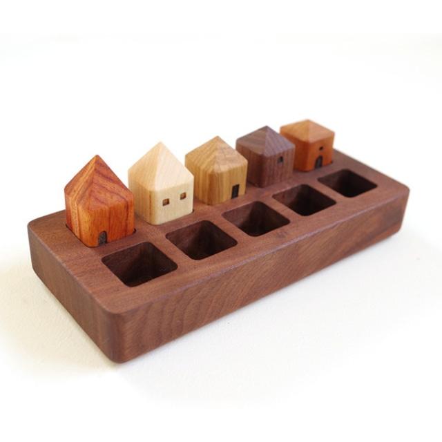木の家をつまむパズル「TOWN(タウン)」
