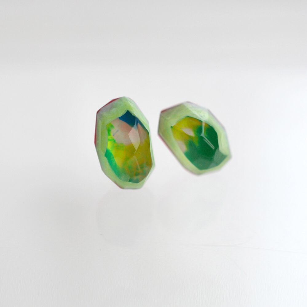 Colored gemstone ピアス
