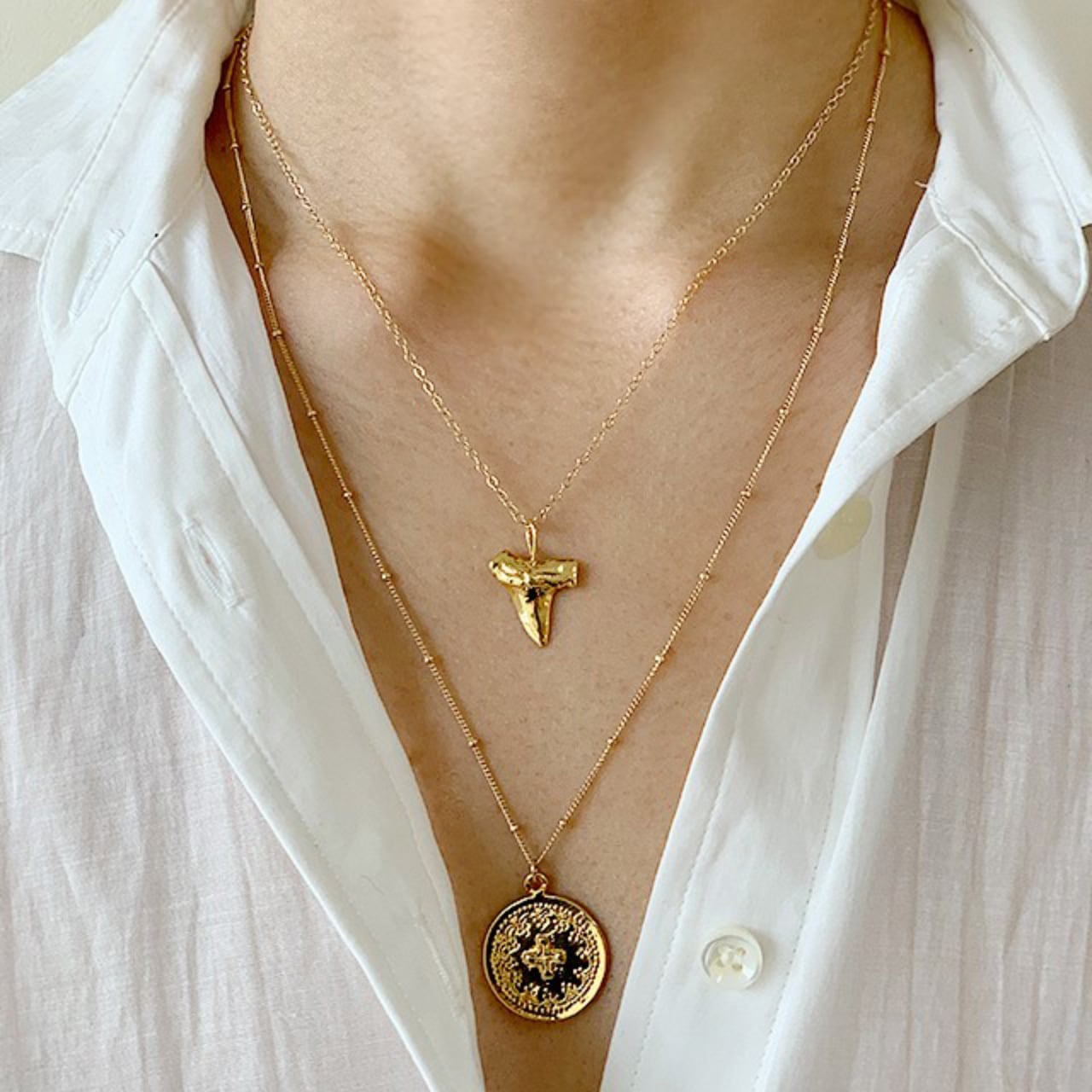 Gold coin necklace     OBH-46