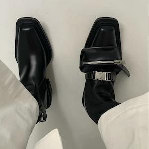 pocket design boots