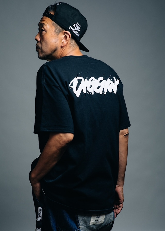 MURO presents KING OF DIGGIN'×書道家 万美 DIGGIN' T-shirt  (BLACK•WHITE)