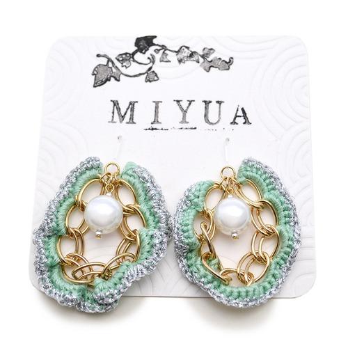 【SALE 20%off】miyua カラーヤーン&パールピアス(グリーン)
