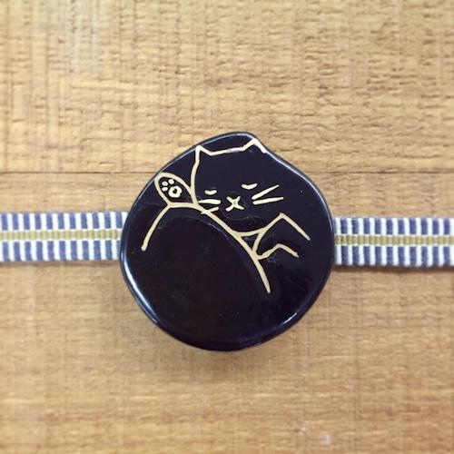 丸まる猫(帯留・ブローチ)