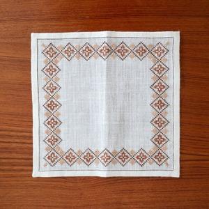[SOLD OUT] スウェーデン / ドイリー ティーマット ミニクロス 刺繍 ブラウン
