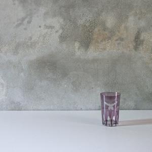 蝶の柄の切子グラス