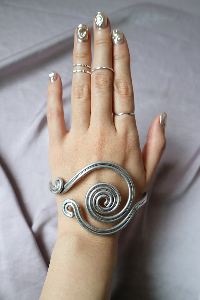 UZU arm bracelet