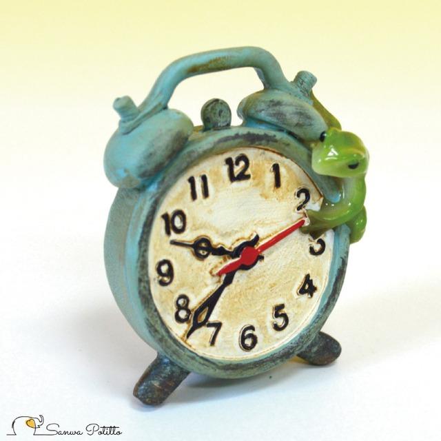 カエル レトロ アンティーク風 置物 目覚まし時計 蛙 かえる アマガエル オブジェ プレゼント ギフト かわいい ミニチュア EV14874A 高さ約5.5cm