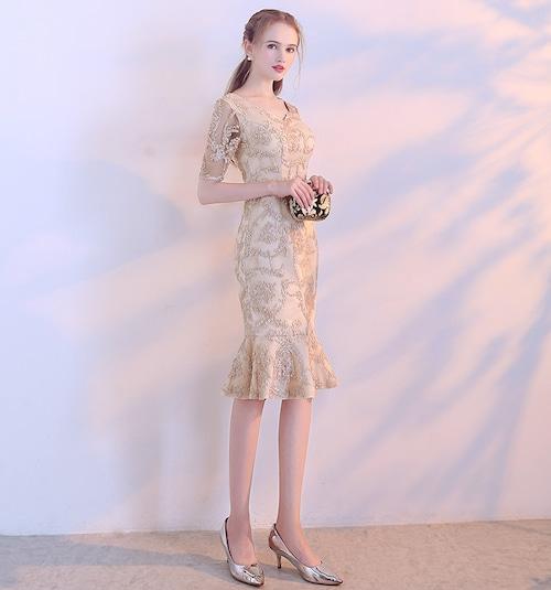 【送料無料】タイトドレス ひざ丈 五分袖 刺繍 裾フリル ラウンドネック ベージュ 結婚式 二次会 お呼ばれ(B248)