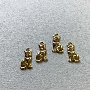 USA真鍮 首輪のついたミニ猫チャーム