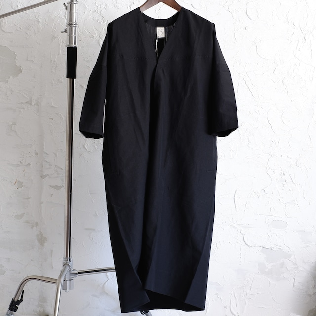 JAN JAN VAN ESSCHE - 3/4 SLEEVED, WIDE-FIT TUNIC WITH COVERED BUTTON - CHARCOAL - DRY WOOL / LINEN